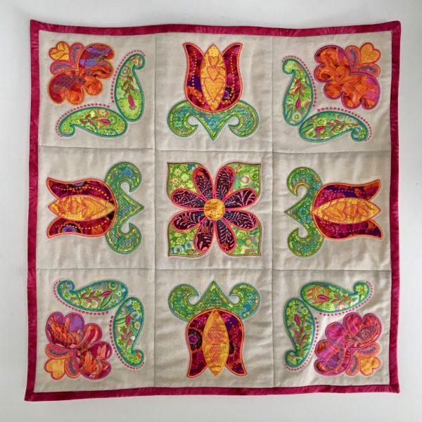 Tulip wall quilt design